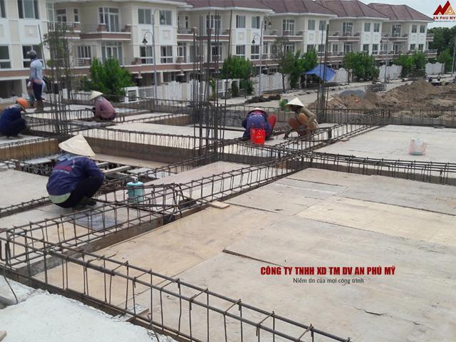 Xây dựng công trình móng nhà liền kề