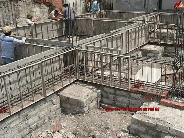 Thực hiện xây dựng móng nhà cho công trính
